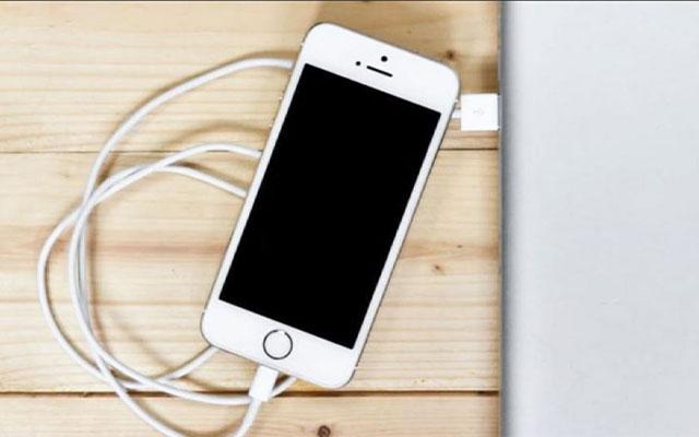Menyambungkan Hotspot Menggunakan Kabel USB