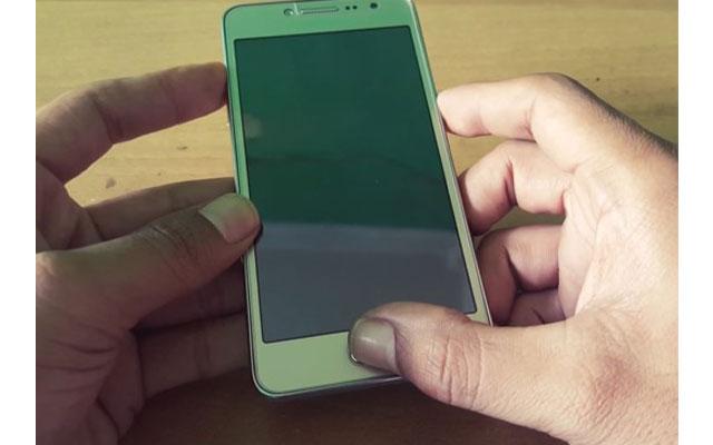 Setelah itu tekan dan tahan tombol volume bawah tombol home dan tombol power secara bersamaan hingga muncul loga android.