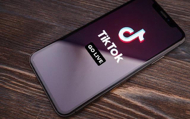 Cara Siaran Langsung di TikTok di iPhone dan Android
