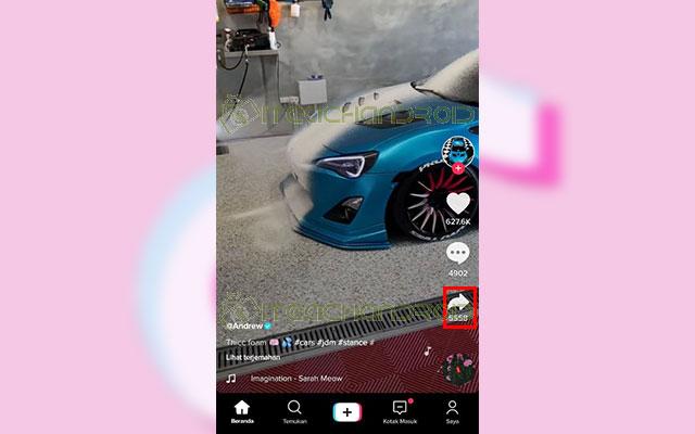 Jika sudah menemukan video yang kamu inginkan klik tombol Bagikan berlogo tanda panah di sisi kanan