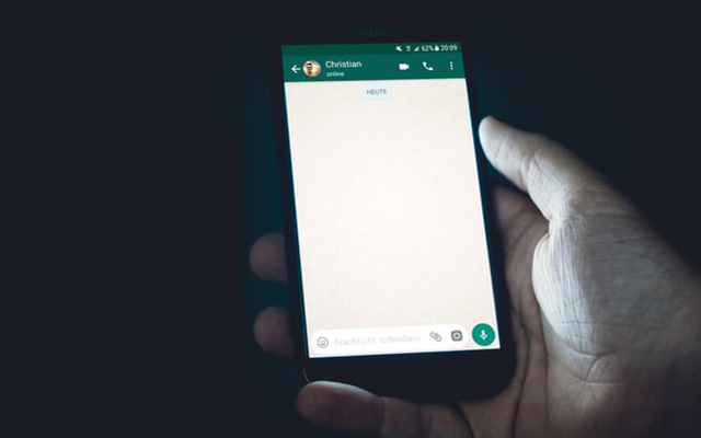 Cara Balas WhatsApp Tanpa Terlihat Status Online