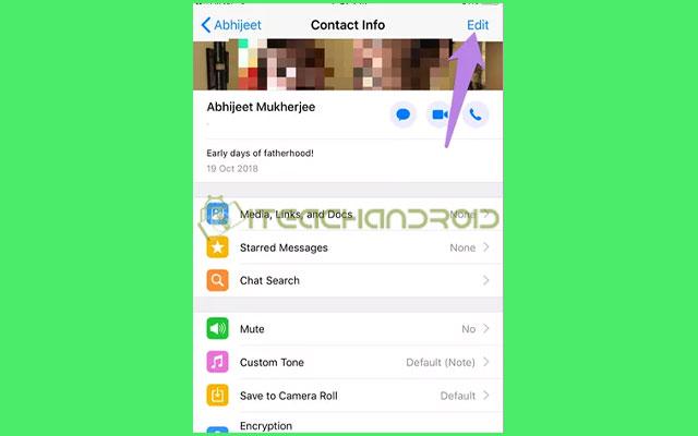 Pada layar Info Kontak di iPhone pilihlah Edit