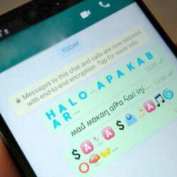 Cara Mengubah Warna Tulisan WhatsApp